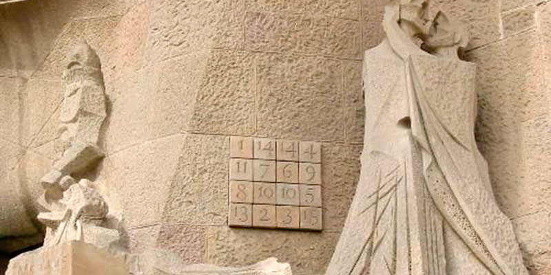 cuadrado-magico-sagrada-familia-barcelona-exploramas